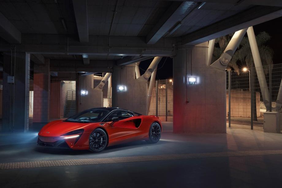 McLaren ARTURA 2