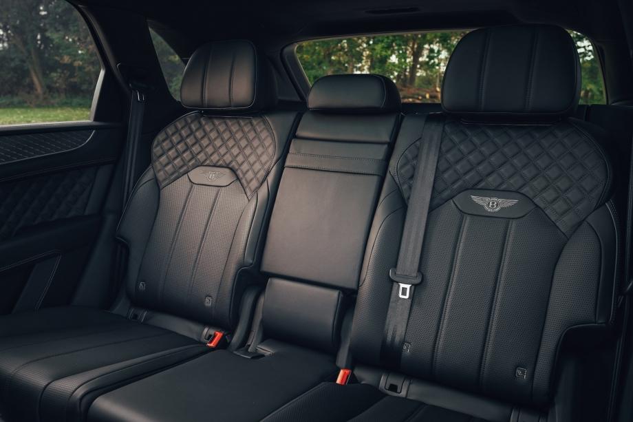 Bentley BENTAYGA V8 FIRST EDITION  3