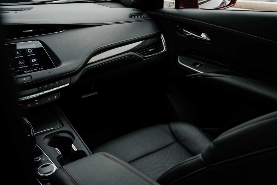 Cadillac XT4 350D 3
