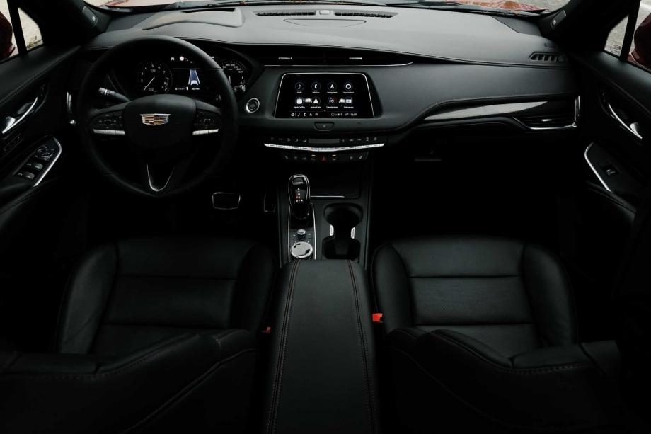 Cadillac XT4 350D 4