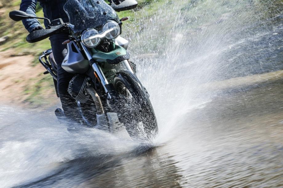Moto Guzzi V85TT 2