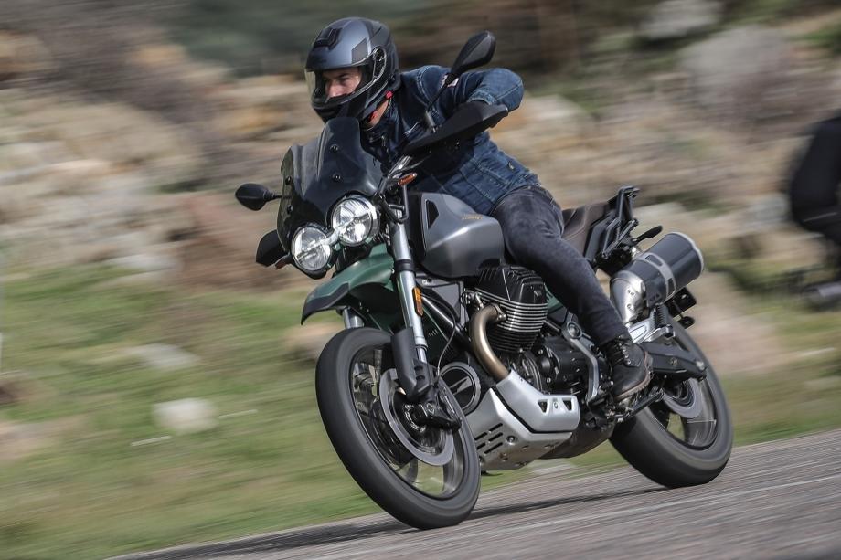 Moto Guzzi V85TT 3