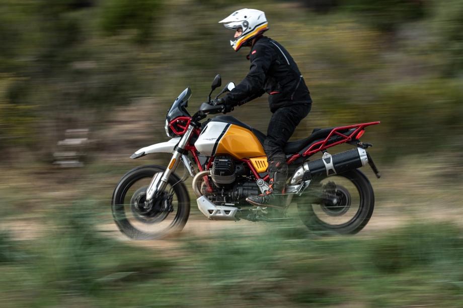 Moto Guzzi V85TT 6