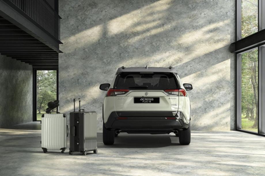 Suzuki ACROSS PLUGIN 2.5 TOP 4WD 5