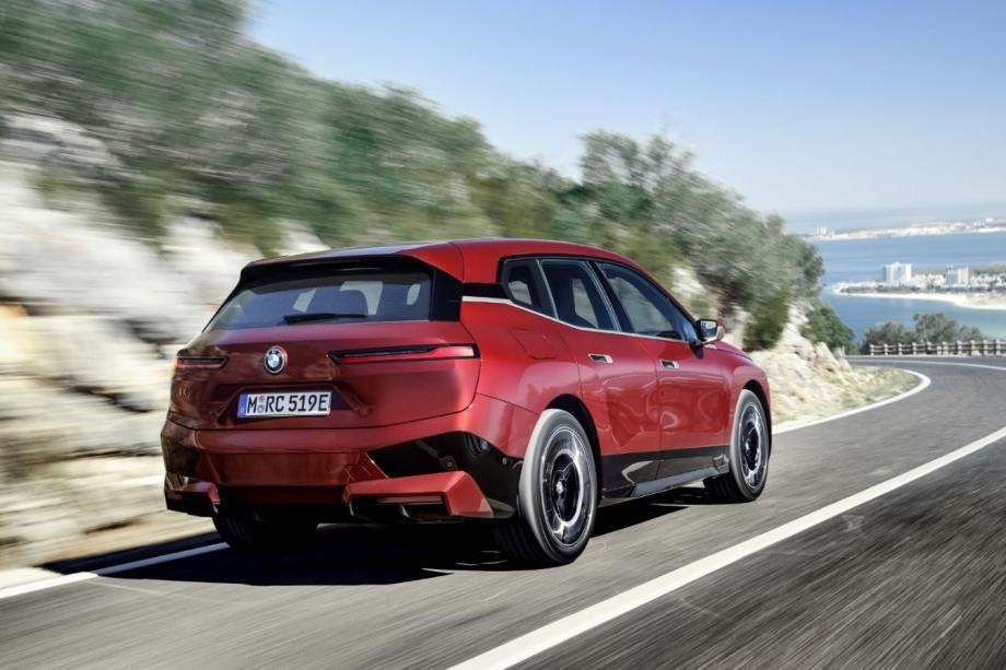 BMW iX xDrive50 4