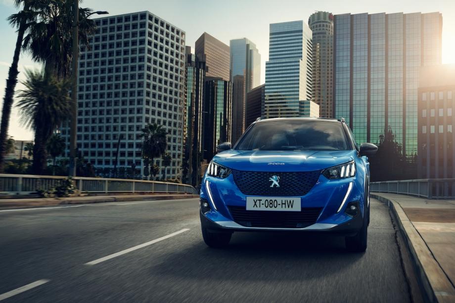 Peugeot NUOVO PEUGEOT E-2008 - 100% ELETTRICO 3