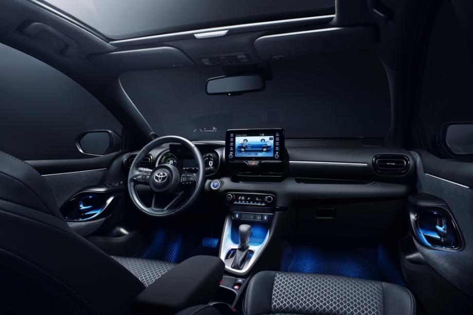 Toyota YARIS PREMIERE - HYBRID 2