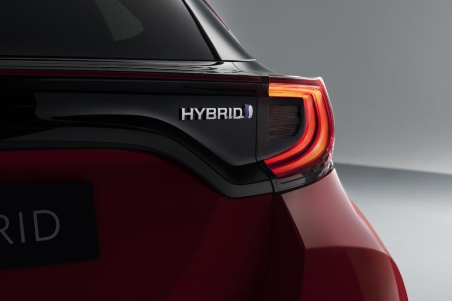 Toyota YARIS PREMIERE - HYBRID 3