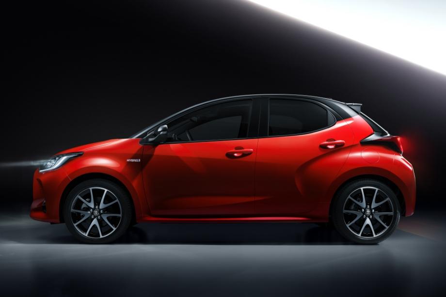 Toyota YARIS PREMIERE - HYBRID 6