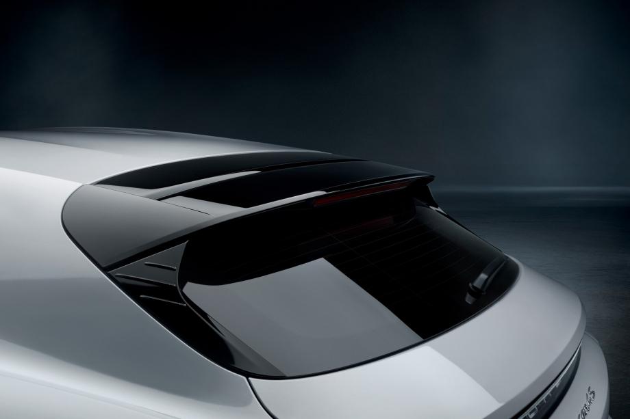 Porsche Taycan 4S Cross Turismo 4