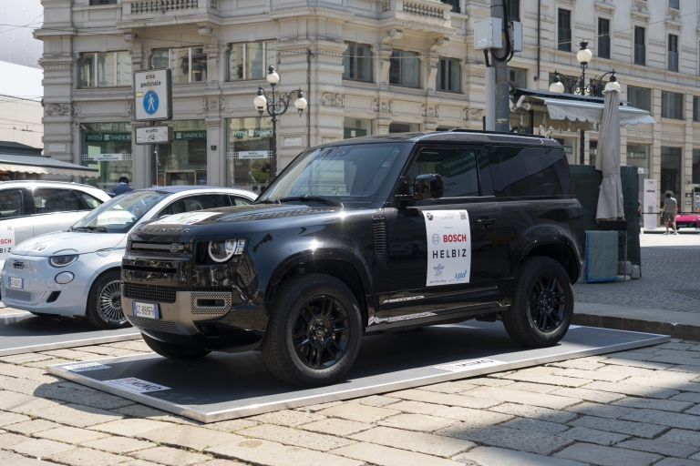 Land Rover Defender 90 MHEV