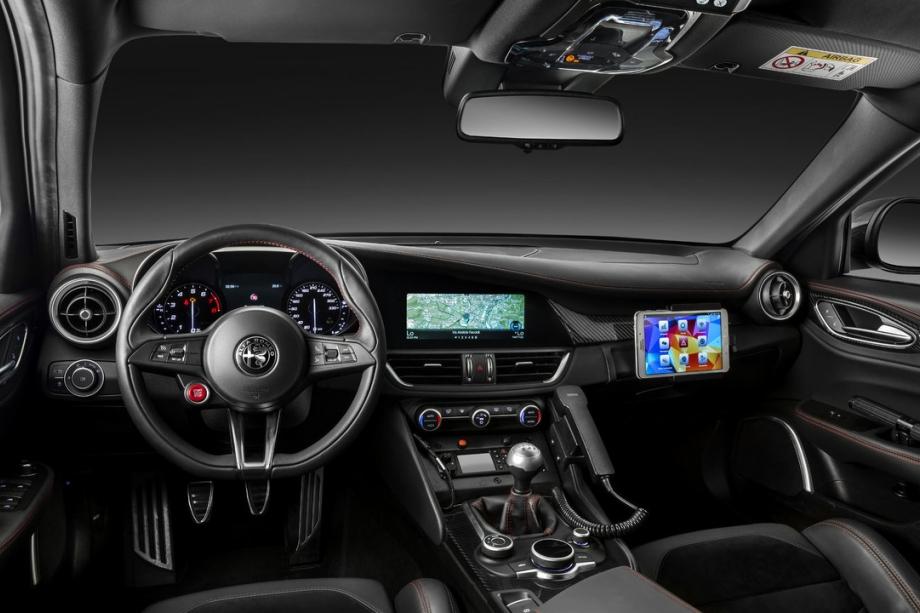 Alfa Romeo Giulia Quadrifoglio 4