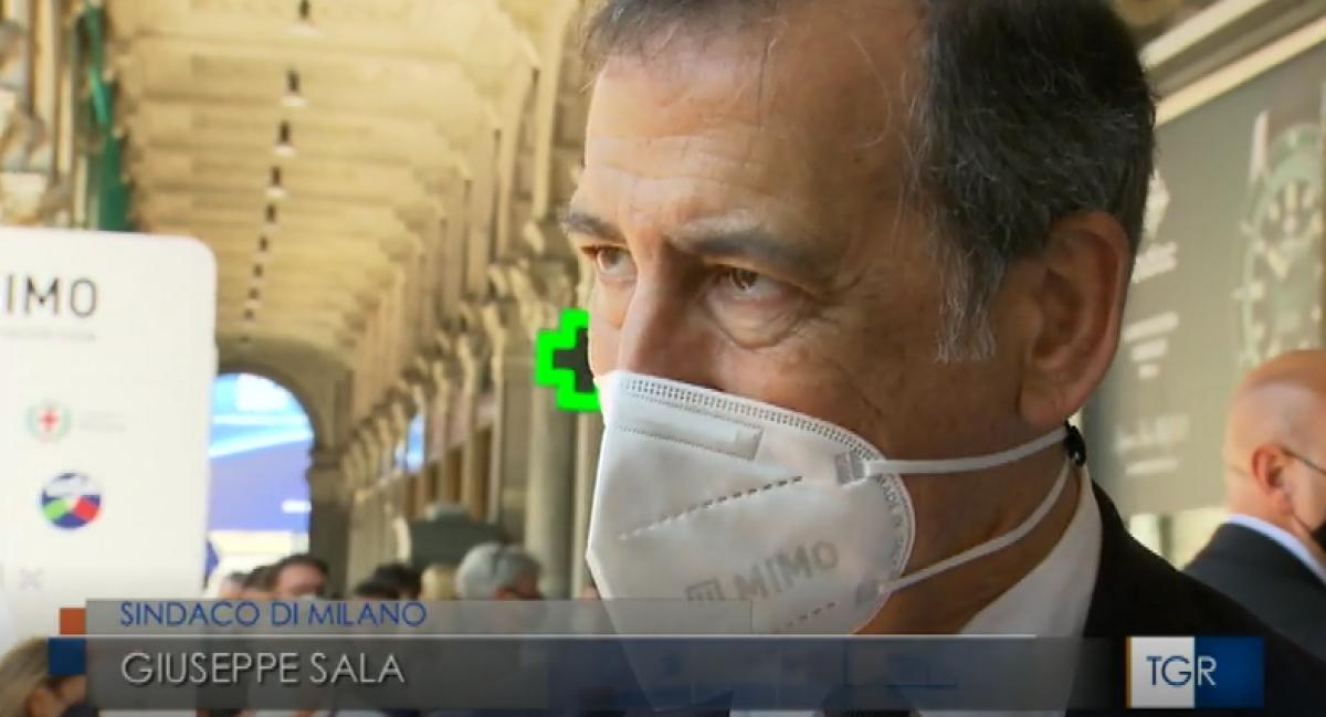 Il Sindaco di Milano Giuseppe Sala indossa la FFP2 targata MIMO